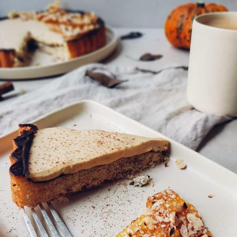 Recipe for a Pumpkin Spice Panna Cotta Tart, slice on table